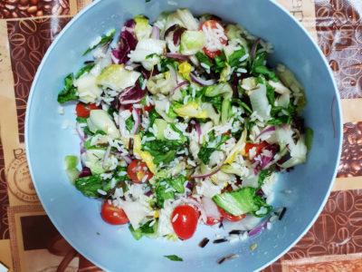 Salata cu orez salbatic